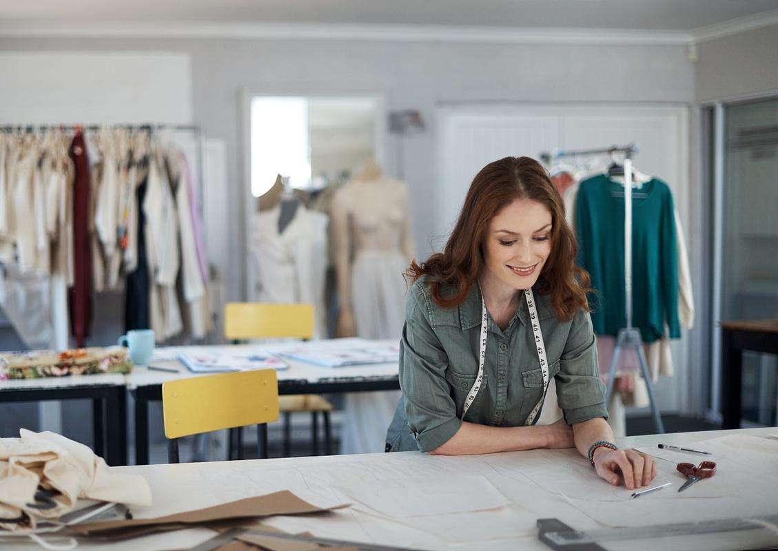 服装行业短信营销背景