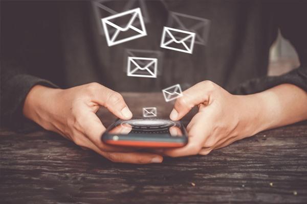 如何批量发送短信